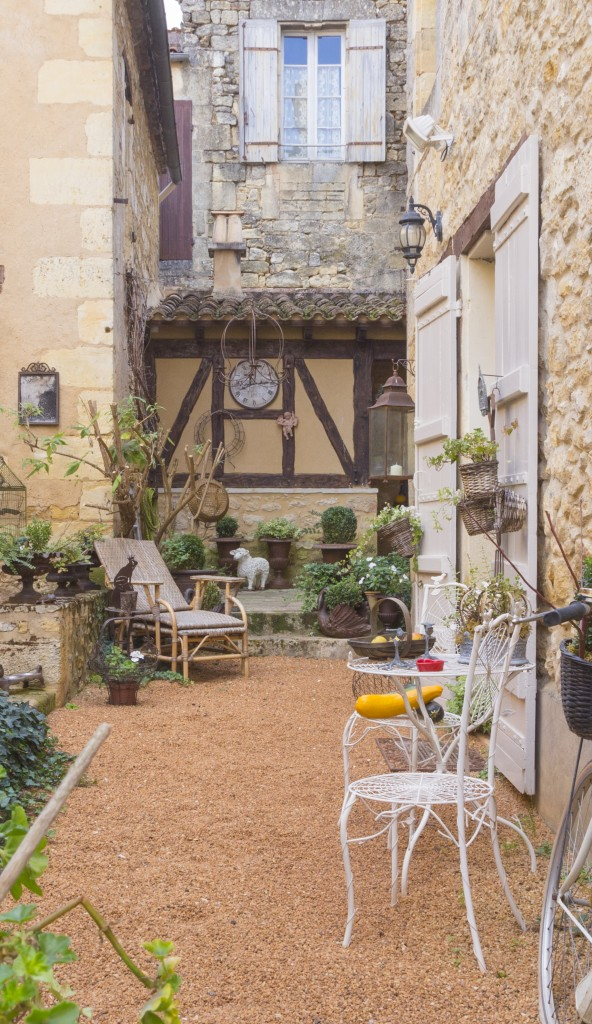 Village South of France - Courtyard
