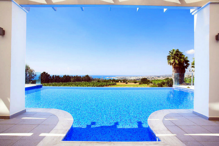 Villa Kissonerga, Cyprus - Oliver's Travel