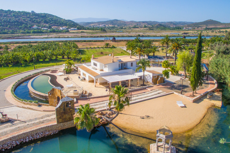 Villa-PureLife-Lagoa-Olivers-Travels