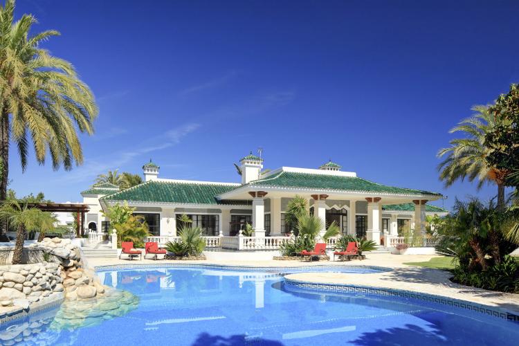 Palacio Andaluz - Costa Del Sol - Olivers Travels