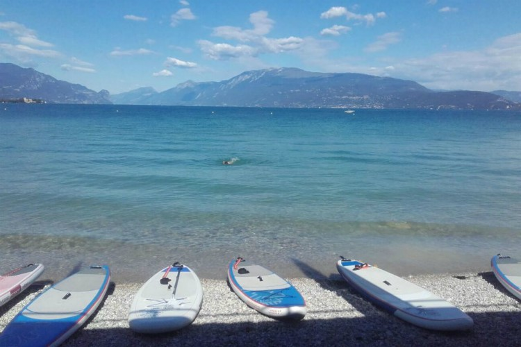 Master paddle boarding with SUP Garda