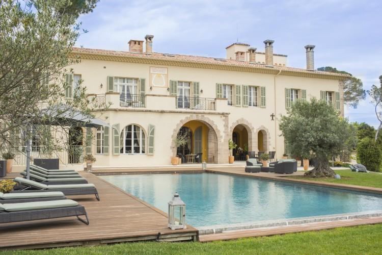 Villa-Amalie-French-Rivera-Cote-d-Azur-Olivers-Travels