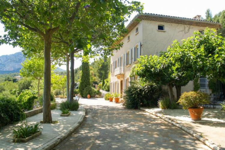 Bastide du Val sleeps 6, prices from £59pppn