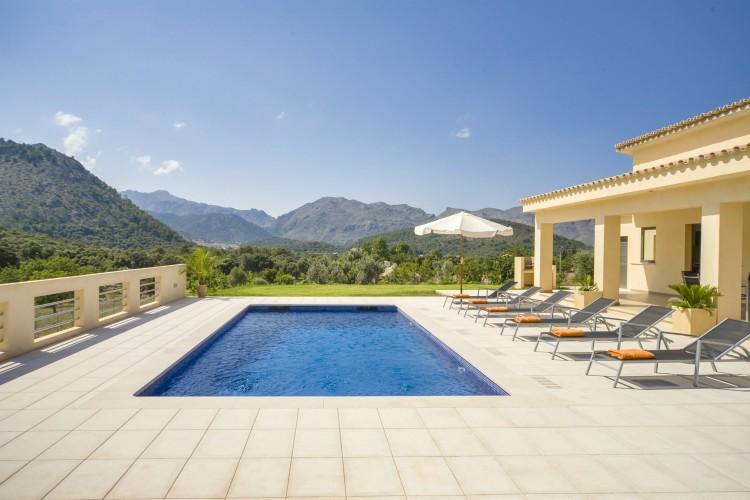 Cala-Garba-Mallorca-Olivers-Travels