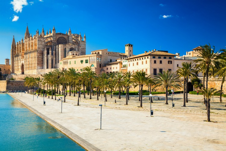 Parc del Mar near the Cathedral of Santa Maria of Palma, Majorca, Spain