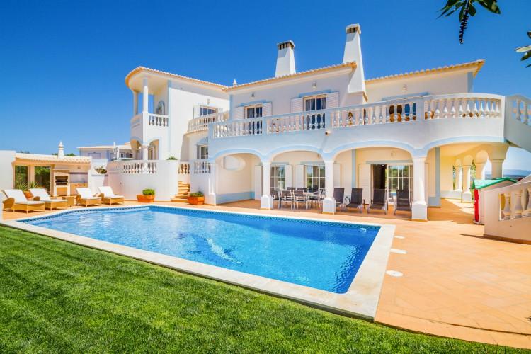 Villa-Floresta-Santo-Antonio-Resort-Olivers-Travels