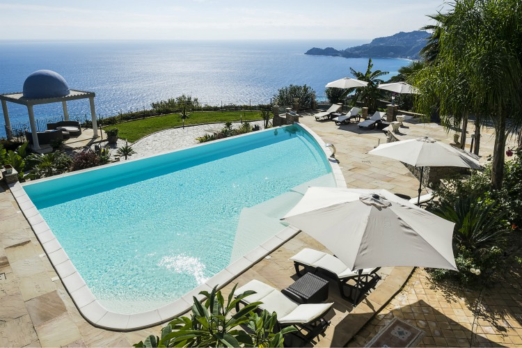 Villa-Gallodoro-Sicily-Olivers-Travels