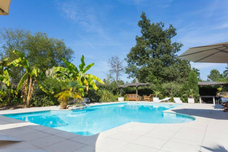 Villa Perle, sleeps 8, prices from £26pppn