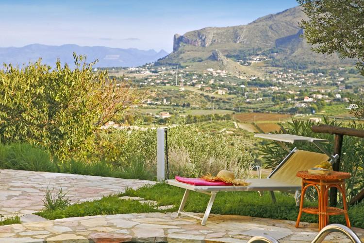 Villa-Rosa-Dei-Venti-Sicily-Olivers-Travels