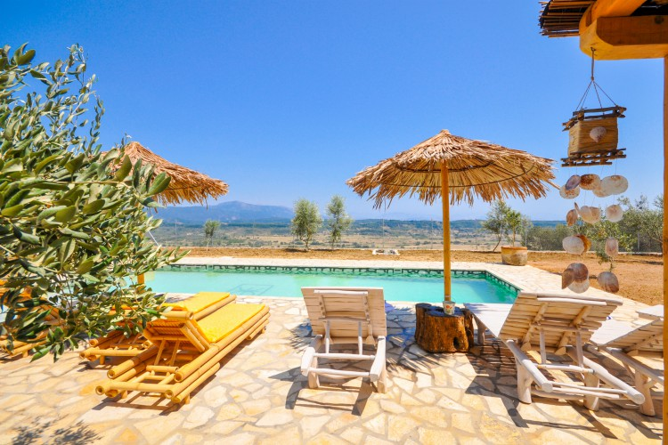 Villa-Fioretta-Corfu-Olivers-Travels