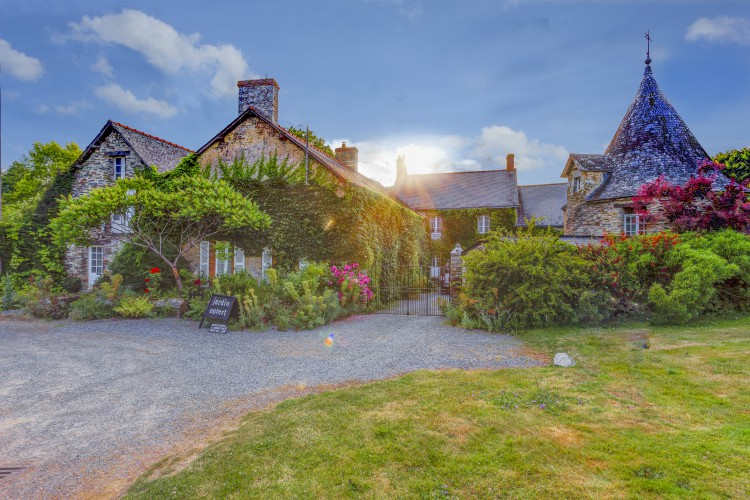 Manoir-de-Chalandes-Brittany-Olivers-Travels