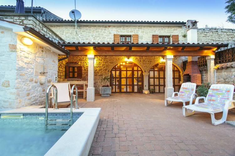 Villa Andora - Istria - Oliver's Travels