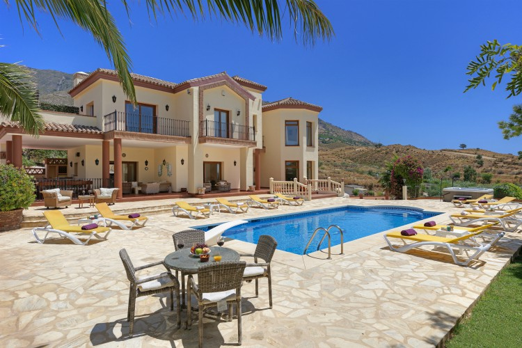 Villa-Cristabelle-Costa-del-Sol-Spain-Olivers-Travels