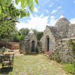 Trulli-le-Mandorle-Puglia-Olivers-Travels