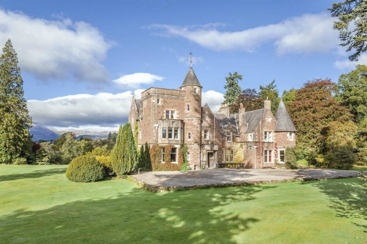 Callander House - Scotland - Oliver's Travels Places to Stay for Christmas and New Years