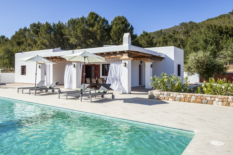Villa Morna - Ibiza - Oliver's Travels