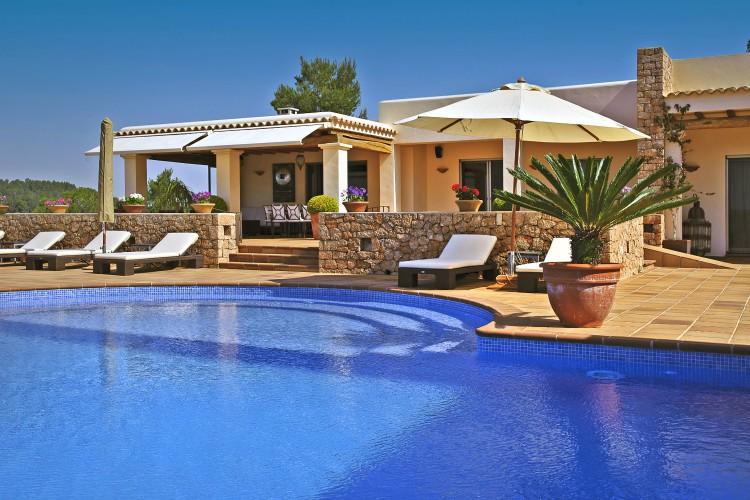Villa Robinson - Ibiza - Oliver's Travels
