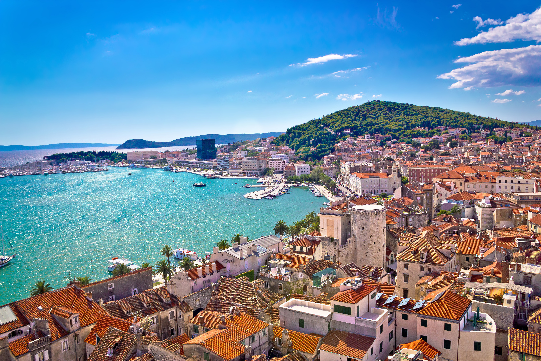 https://www.oliverstravels.com/blog/wp-content/uploads/2018/01/Split-Croatia.jpg
