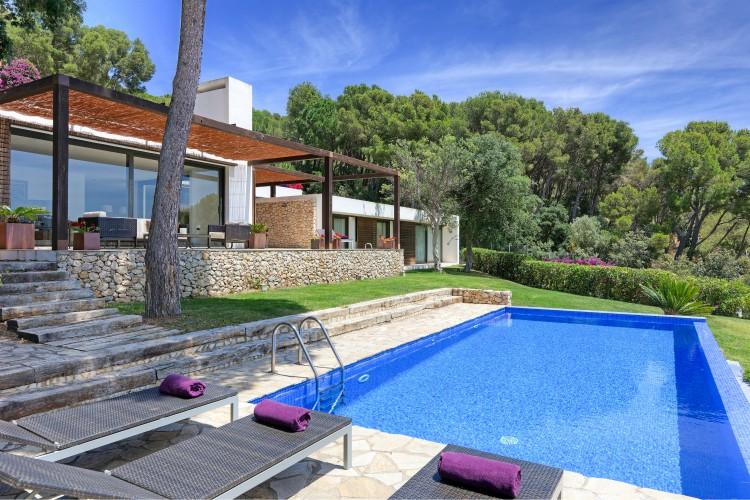 Villa Blauverd - Costa Brava - Oliver's Travels