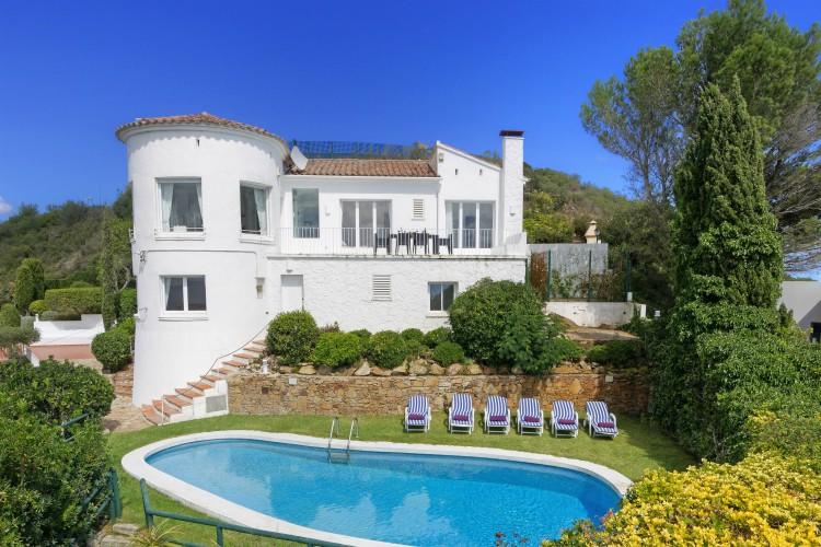 Villa Encantado - Costa Brava - Oliver's Travels