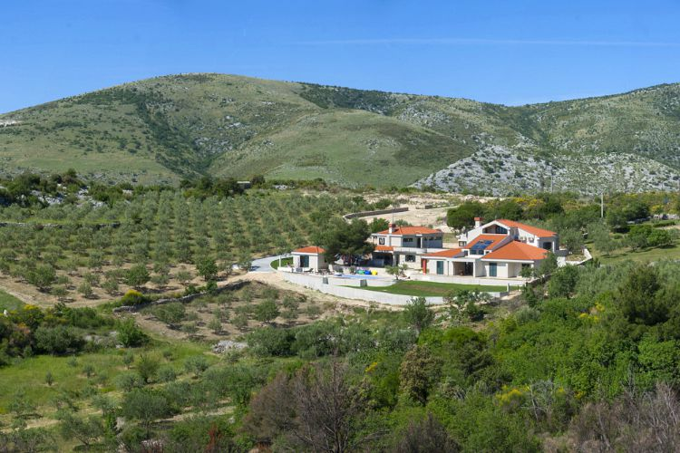 Villa-Zuka-Dalmatia-Olivers-Travels