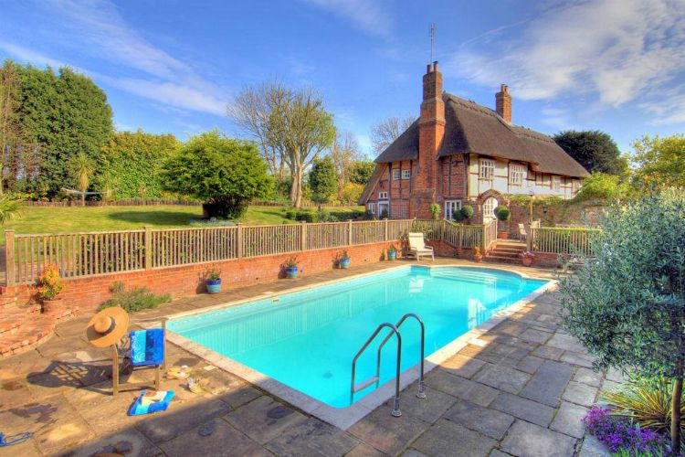 Manor Farmhouse - Kent - Oliver's Travels