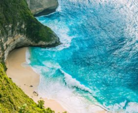 Manta Bay or Kelingking Beach on Nusa Penida Island, Bali, Indonesia.