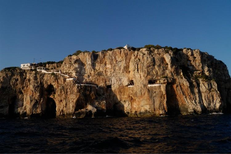 Cuevas Xoroi, Menorca