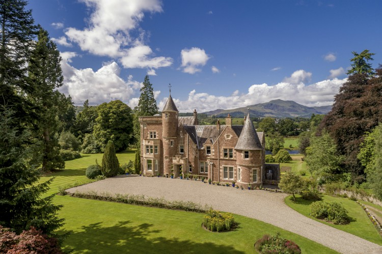 Callander-House-Olivers-Travels-1
