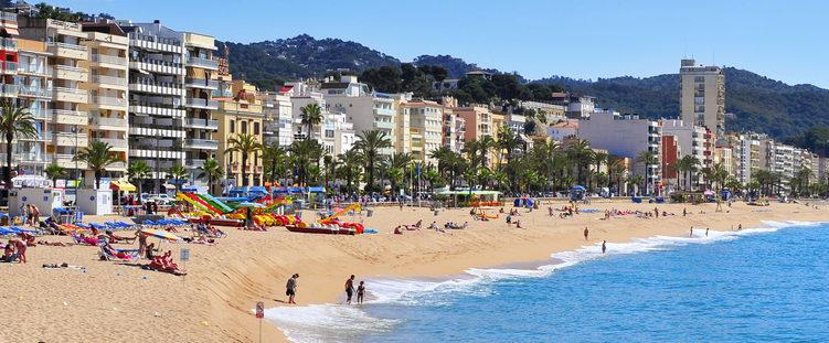 Best Beaches in Costa Brava Platja de Lloret