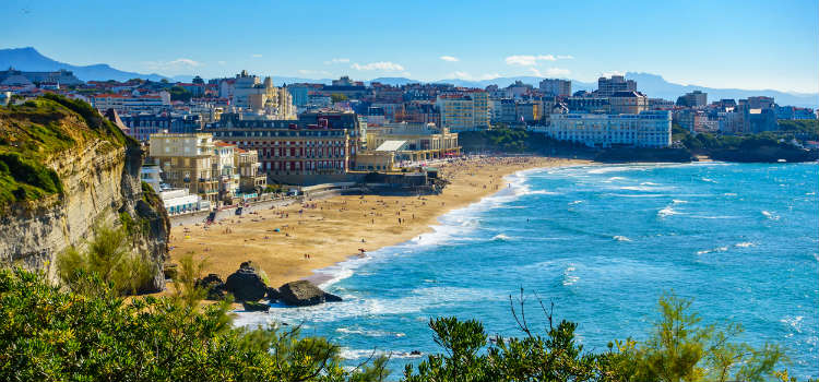 2020 holiday destinations biarritz