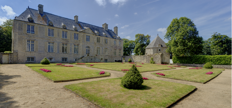 Chateau de Cource, Normandy, Oliver's Travels