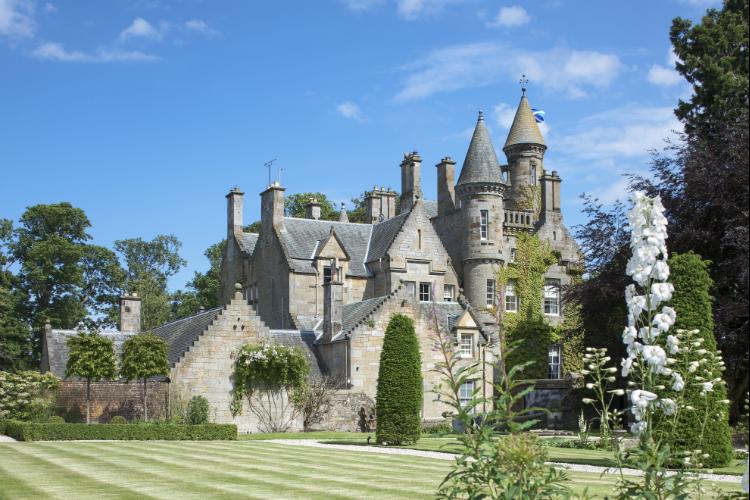 Kirkliston Castle - Edinburgh - Oliver's Travels
