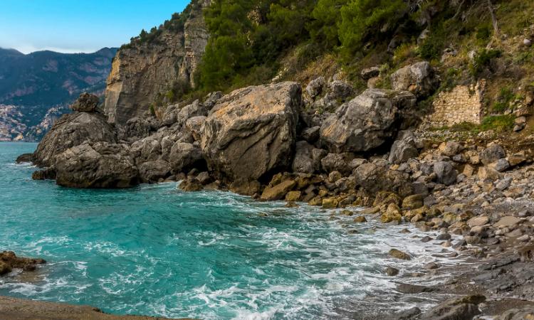 gravitella beach italy