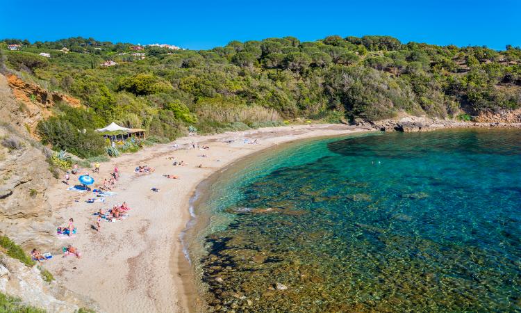 Family vacation ideas - Barabarca beach near Capoliveri Elba