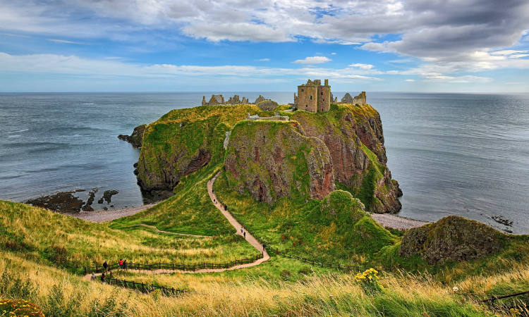 Family Vacation Ideas with Teenagers - Dunnottar Castle
