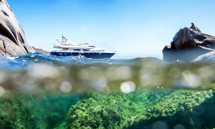 Yacht in Mykonos