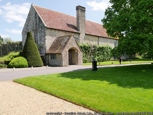 Beaulieu Abbey grounds
