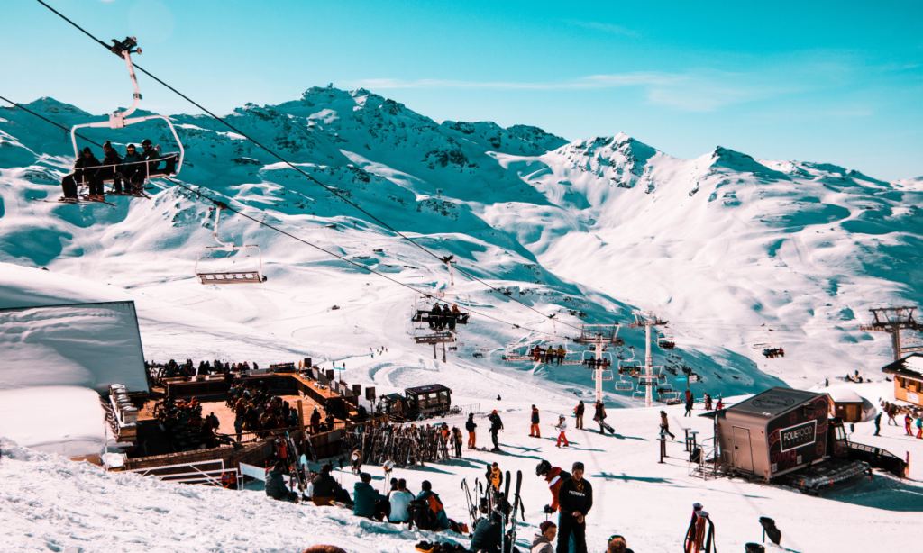 skiing landscape of val thorens