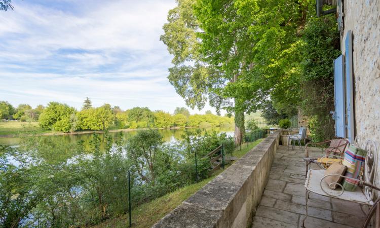 Villa Du Fleuve, Emillion