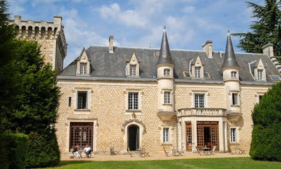 French Chateaux to rent