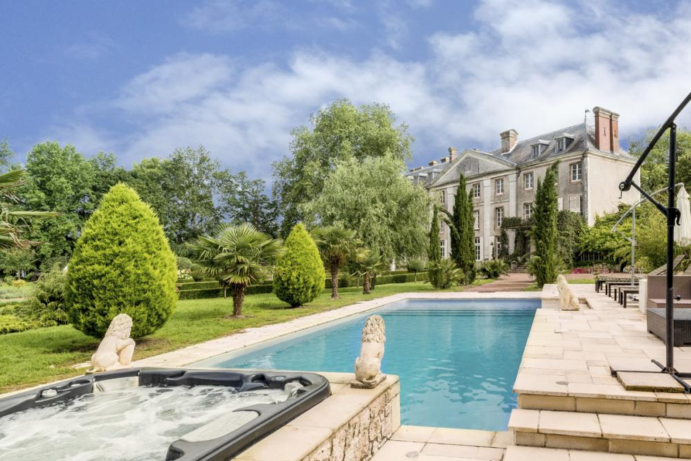 Chateau De Vezins, Loire Valley   Oliver\'s Travels