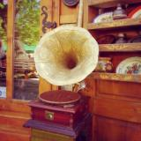 UPDATE THIS - Independent antique shops: where to find them in England