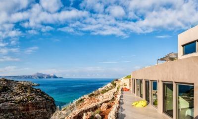 Seaside and beachfront villas Europe, Caribbean
