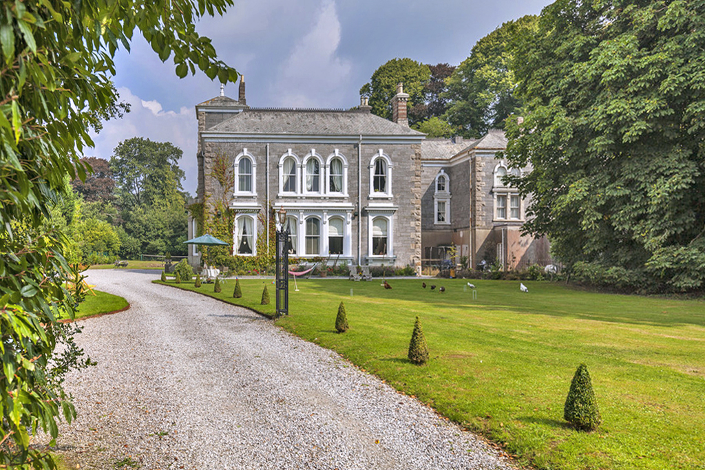 Lovegrove Mansion